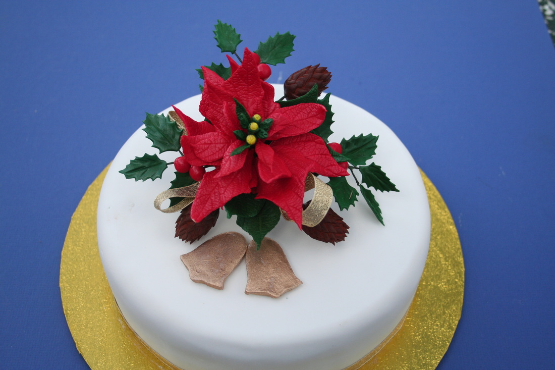 Christmas Cakes Kingfisher Cakes And Crafts